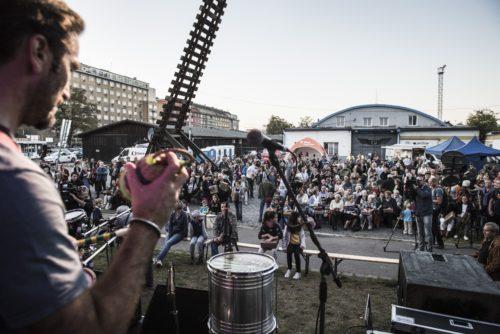 Nádraží Praha-Bubny zahajuje přestavbu v živé místo paměti