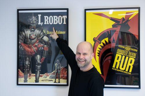 AI: Když robot píše hru. Švandovo divadlo uvede unikátní projekt kvýročí premiéry R.U.R. Karla Čapka